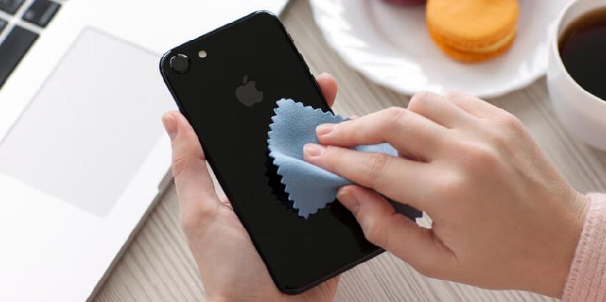 Como você faz a limpeza do seu celular?